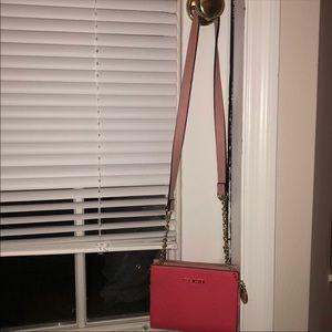 Pink Steve Madden cross body purse